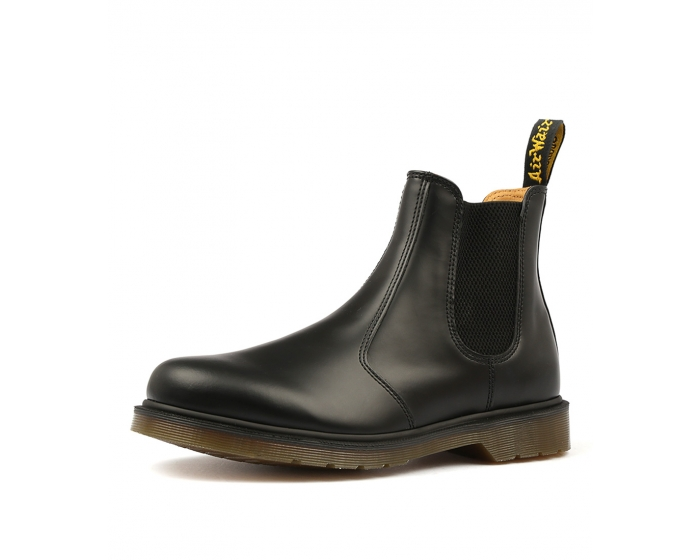 1eeff76815ce9 2976 CHELSEA BOOT BLACK SMOOTH LEATHER by DR MARTEN - at Styletread