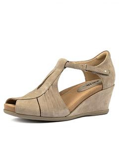 dd4e2f00 Shoes Online   Shop Women's & Men's Shoes from Styletread
